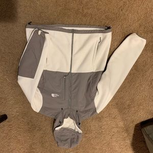 North Face Gray & White Fleece Size XL